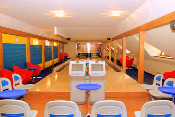 Hotel-Troyer_Bowling_01